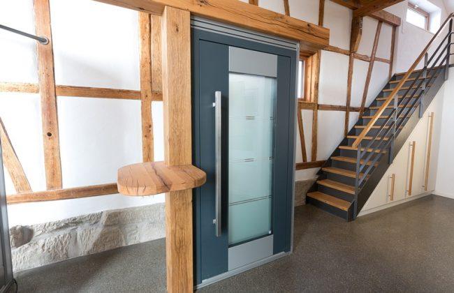 Aluminium Haustüre in der Ausstellung bei Grathwol Fensterbau